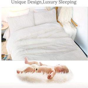 White Fluffy Bedding Set