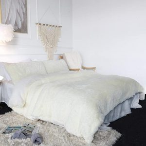 White Fluffy Bedding Set